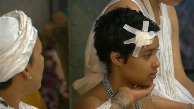 La pequeña Kailane Campos de 11 años fue víctima de irracionales que el fin de seman apasada la apedraron al salir de una iglesia afrobrasileña. (Foto: Globo.com).