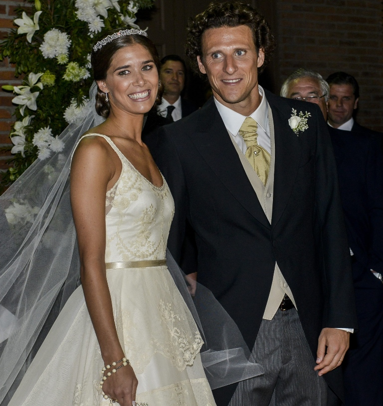 El futbolista uruguayo Diego Forlán se casó con Paz Cardoso el 11 de diciembre de 2013. Ambos serán padres en 2016.  (Foto Prensa Libre: EFE)