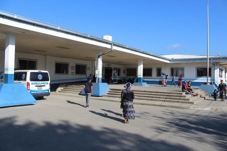 En el hospital de Joyabaj, Quiché, se atiende a decenas de personas diariamente.(Foto Prensa Libre: Hemeroteca)