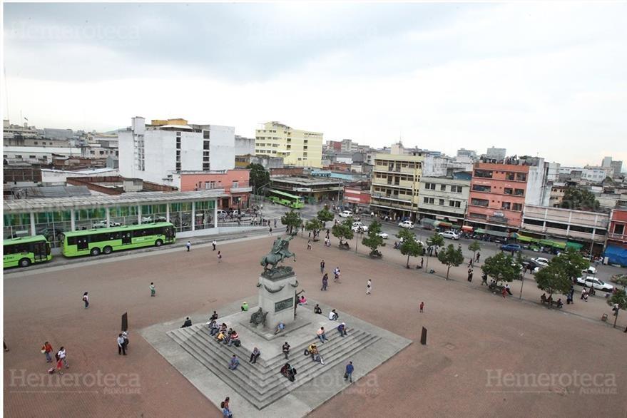 Vista actual de la Plaza Barrios ubicada frente al Museo del Ferrocarril. (Foto: Hemeroteca PL).