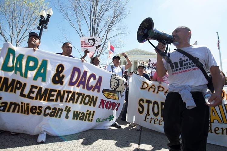 La Corte Suprema de Justicia de EE.UU. rechazó la revisión del fallo sobre los alivios migratorios DAPA y DACA. (Foto Prensa LIbre: Hemeroteca PL)