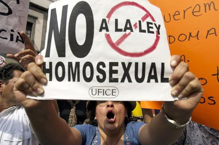 Protestas en México de grupos opositores a las uniones entre personas del mismo sexo en 2006. (Foto: AP)