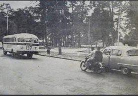 El transporte de buses urbanos de la ciudad de Guatemala ha evolucionado, desde los años 50 hasta hoy en dia.