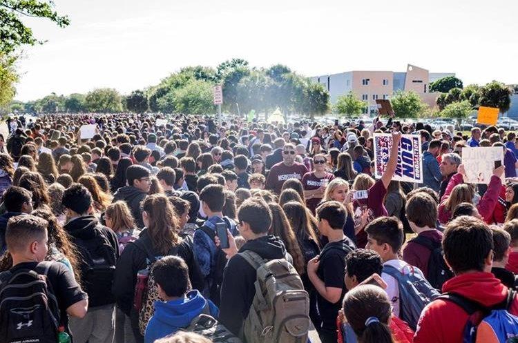 Estudiantes de Florida se levantan contra las armas.