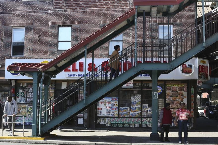Nueva York tiene 8.5 millones de habitantes, de los cuales 21.5% viven por debajo de la línea de pobreza.(Foto Prensa Libre: AP).