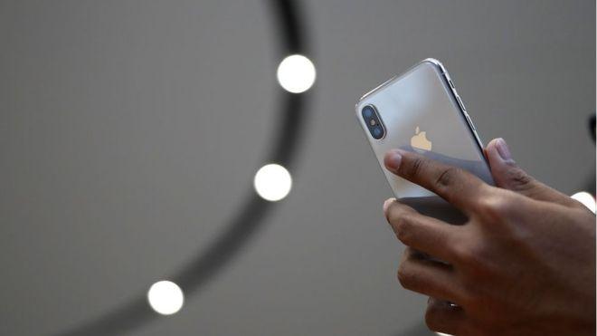"""iPhone X es un gran """"salto"""" para Apple, pero ¿cuán revolucionaria es realmente la tecnología que presenta? (GETTY IMAGES)"""