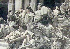 Manifestaciones frente al Palacio Nacional. (Foto: Hemeroteca PL)