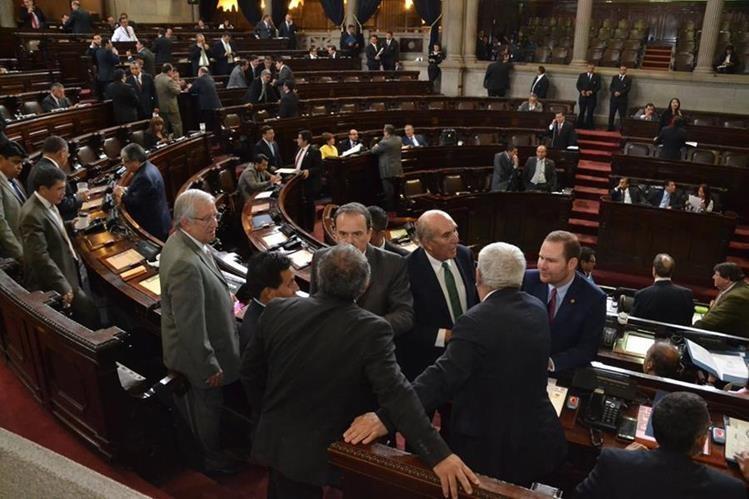 La discusión de reformas al Código de Trabajo,fue suspendida debido a que no todos los diputados conocen la propuesta.(Foto Prensa Libre: José Castro)