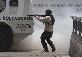 Descontentos piden salida de Maduro en medio de crisis política.