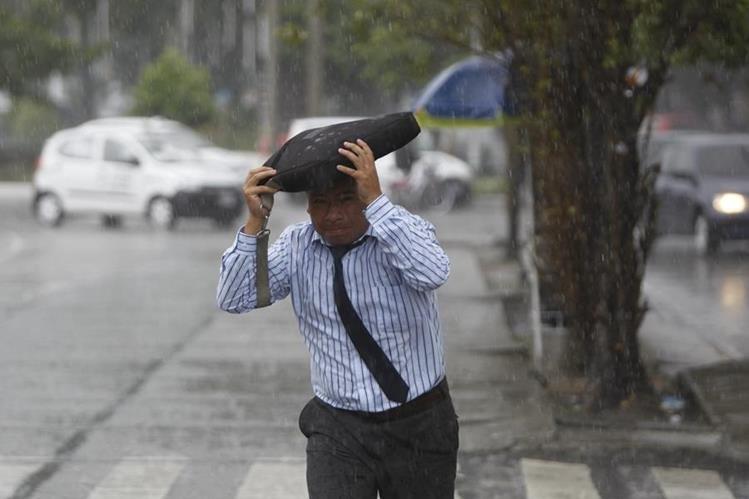 Este fin de semana podría haber un aumento en las lluvias. (Foto Prensa Libre: Hemeroteca PL)