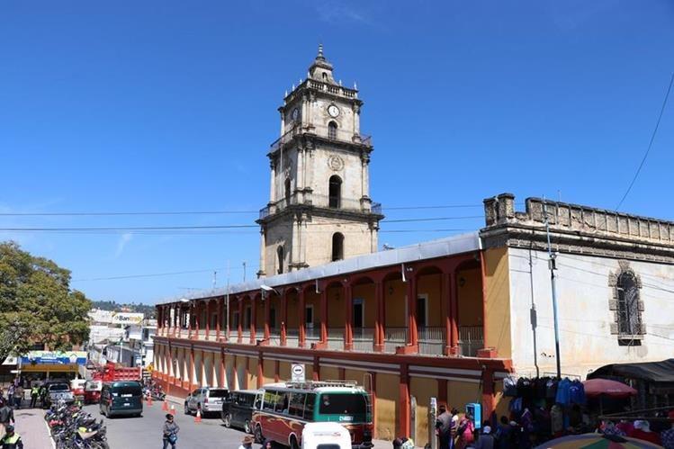 Instalaciones donde funciona la Gobernación Departamental. (Foto Prensa Libre: Héctor Cordero).