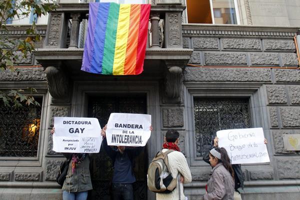Un grupo de jóvenes conmemoró en Chile el domingo último el Día Internacional contra la Homofobia. (Foto: Hemeroteca PL).