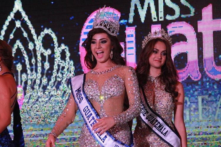 La representante de Ciudad Sur, Jeimmy Aburto, es coronada como Miss Guatemala 2015 en Paseo Cayalá, zona 16. (Foto: Estuardo Paredes)