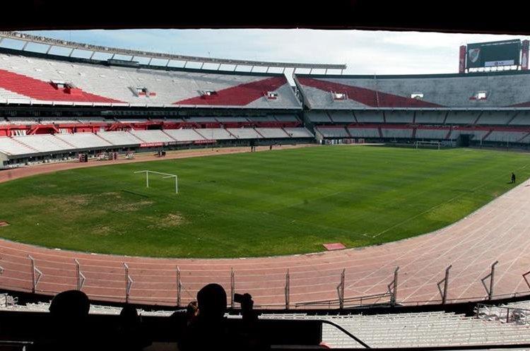 El estadio Monumental es donde otra de las opciones para el duelo frente a los peruanos. (Foto Prensa Libre: Hemeroteca PL)