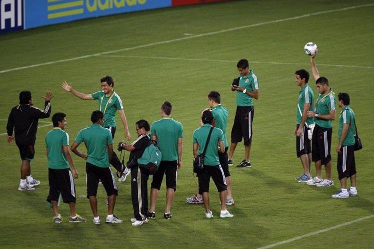 La federacion de futbol de México hará una importante donación. ( Foto Prensa Libre: Hemeroteca PL)