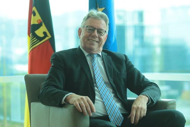 Harald Klein, embajador de Alemania, recibirá a la delegación comercial alemana con el objetivo de establecer contactos y concretar inversiones en el mediano plazo. (Foto Prensa Libre: Álvaro Interiano)