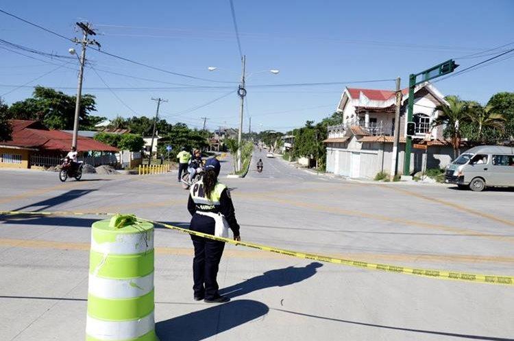 La ampliación a cuatro carriles entre los puertos Santo Tomas y Barrios, colindara con un periférico que recorre el área urbana de la ciudad porteña. (Foto Prensa Libre: Dony Stewart)