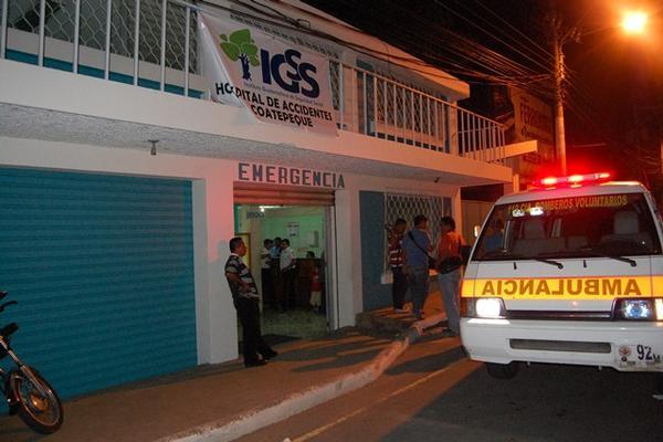 """<p>Los heridos fueron trasladados al seguro social. (Foto Prensa Libre: Alex Coyoy)<br _mce_bogus=""""1""""></p>"""