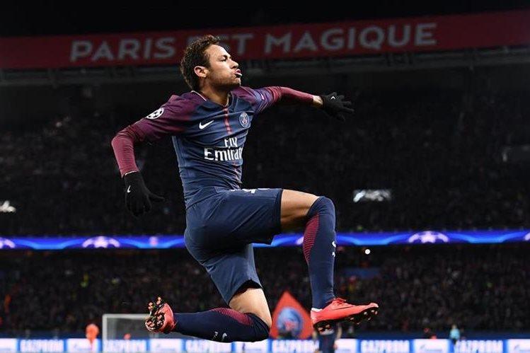 Neymar viajó a Brasil, desconocen su retorno a Francia
