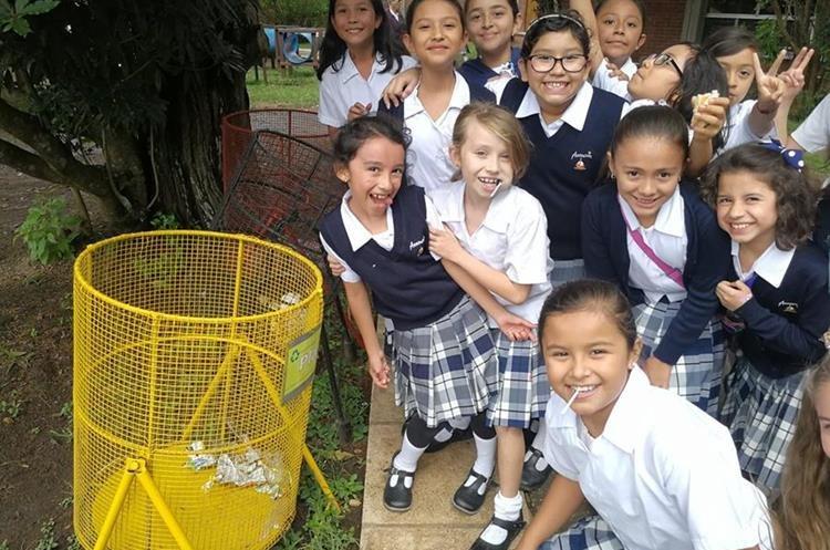 Estudiantes y profesores forman parte de proyecto de reciclaje en el colegio La Asunción.
