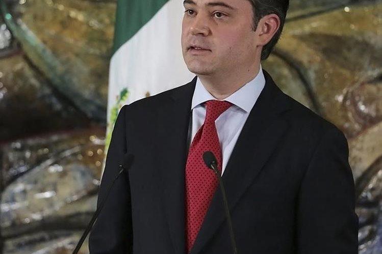 El secretario mexicano de Educación Pública, Aurelio Nuño, anunció el viernes el despido de los docentes. (Foto Prensa Libre: EFE).