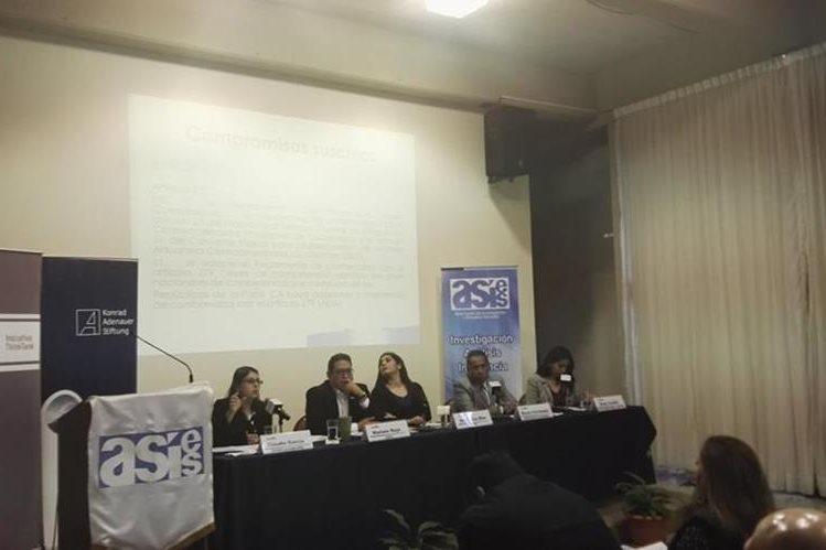 Analistas de Asies, profesionales y funcionarios públicos discutieron sobre la Ley de Competencia (Foto Prensa Libre: Cortesía)