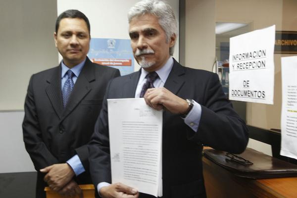 """<p>Representantes de la Fundación contra el terrorismo presentó una querella contra Rigoberta Menchú. Foto Prensa Libre: R. Méndez) <br _mce_bogus=""""1""""></p>"""