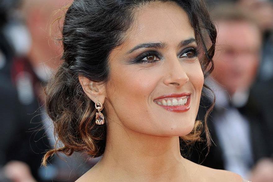 Salma Hayek tiene una rutina de belleza para cuidar las pestañas y el cabello. (Foto Prensa Libre: Hemeroteca PL).