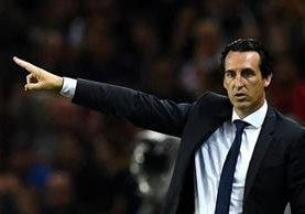 El técnico Unai Emery comparó a su equipo, PSG, con el Real Madrid y el FC Barcelona de hace 15 años. (Foto Prensa Libre: EFE)