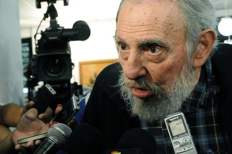 """Fidel Castro, de 89 años y retirado del poder en 2006, analiza en su """"reflexión"""" el discurso de Obama."""