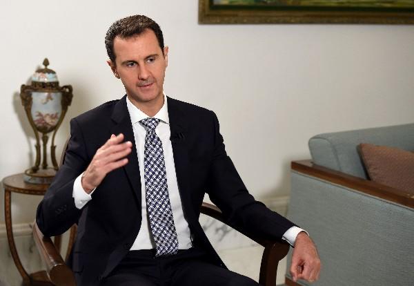 """Bachar al Asad da declaraciones en una entrevista con el diario español """"El País""""."""