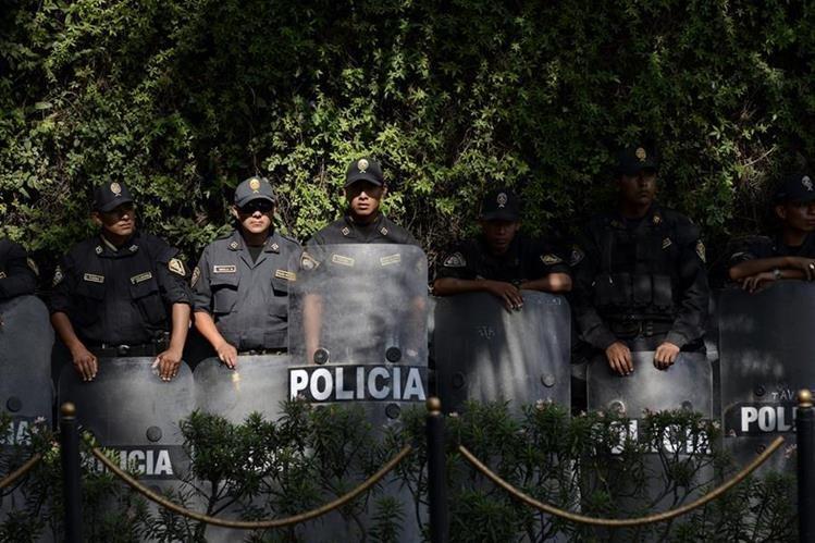 Imagen referencial. Los accidentes en rutas internas de Perú se han vuelto una constante por la falta de control policial en las vías.(Foto Prensa Libre: EFE).