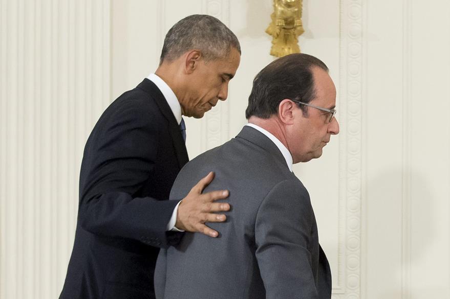 El presidente de EE. UU. , Barack Obama (izq.), y su homólogo francés, Francois Hollande, hoy en la Casa Blanca. (Foto Prensa Libre: EFE).