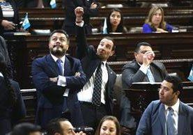 El Ministerio Público analizará la decisión del Congreso de proteger la inmunidad del presidente. (Foto Prensa Libre: EFE)