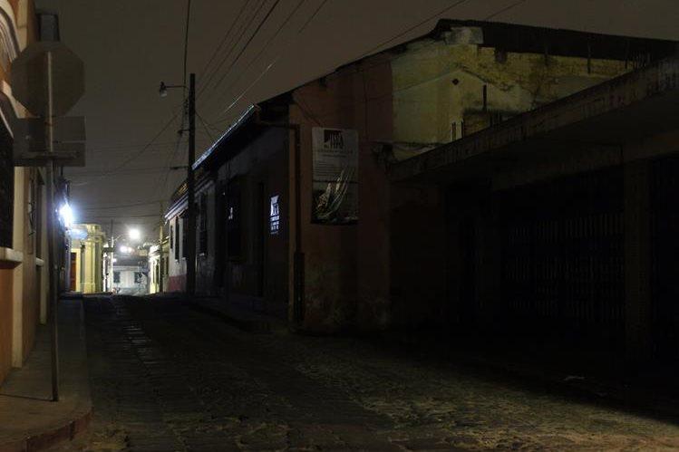 Una de las calles que ha sido aprovechada por delincuentes para sorprender a vecinos de Xela. (Foto Prensa Libre: Carlos Ventura)