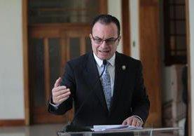 Mario Méndez, ministro de Agricultura, indica que el programa de fertilizantes corre peligro de no continuar. (Foto Prensa Libre: Erick Ávila)
