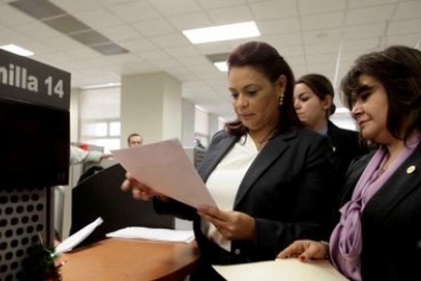 <p>Vicepresidenta presenta denuncia ante el Ministerio Público. (Foto cortesía de la Scspr)</p>