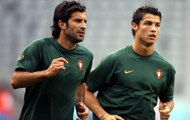 Cristiano y Figo en la Euro 2004 (Foto Prensa Libre: HemerotecaPL)