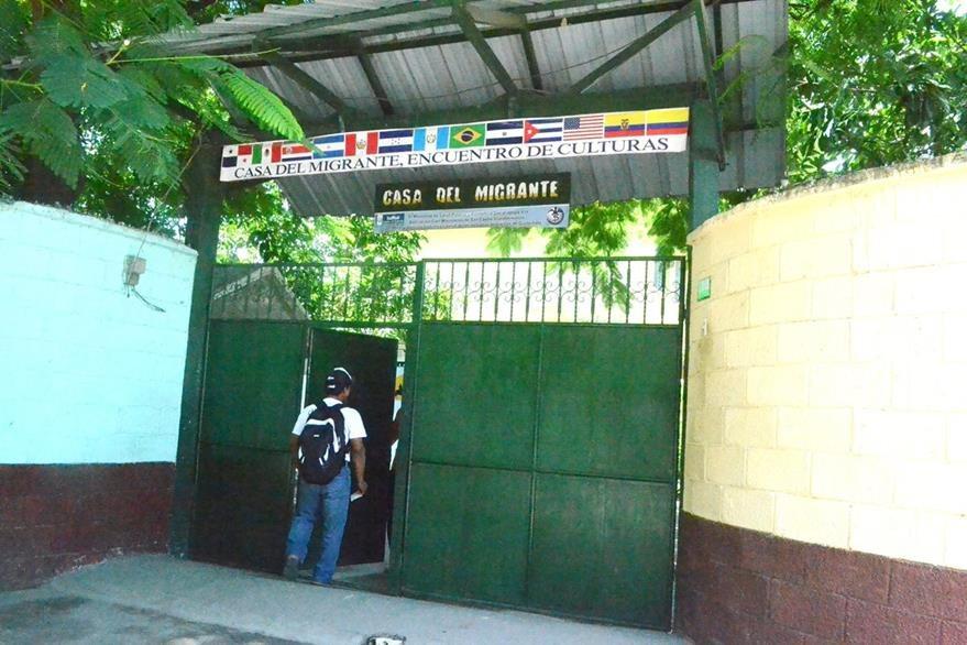 Guatemalteco da su casa para refugiar a migrantes for Mural de la casa del migrante