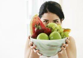 El consumo de frutas y verduras, por su alto contenido de fibra y minerales, favorece la eliminación de toxinas.