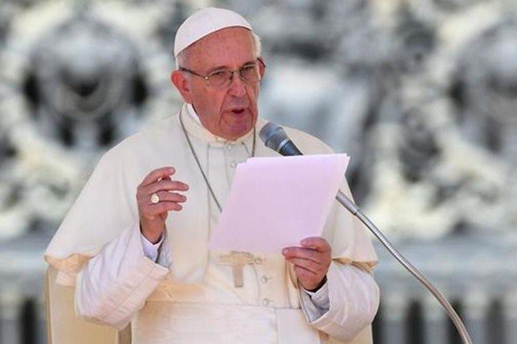 Papa Francisco lamentó muerte de 40 niñas durante incendio en Guatemala