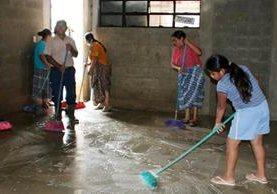 Establecimientos educativos aún no han reiniciado clases en Alta Verapaz. (Foto Prensa Libre: Eduardo Sam)