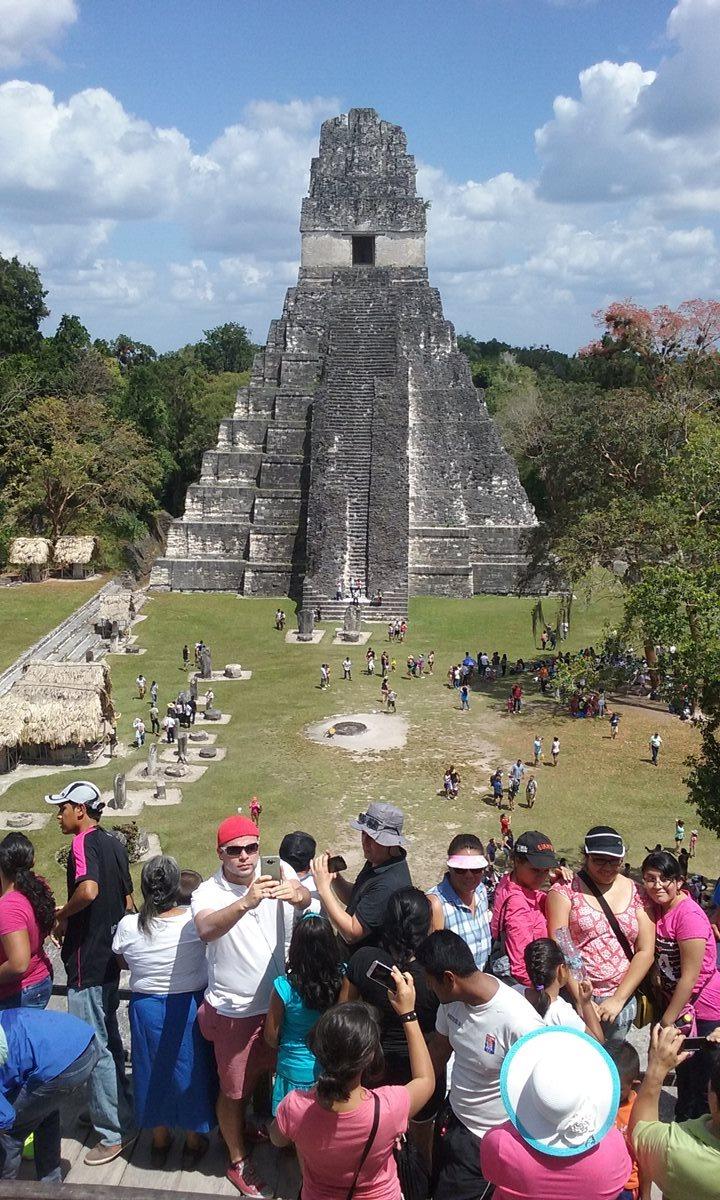 El Gran Jaguar es uno de los templos más importantes de Tikal, y al que turistas toman más fotografías. (Foto Prensa Libre: Rigoberto Escobar)