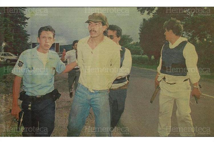 Noel de Jesús Beteta fue recapturado en el kilómetro 22.5 Santa Elena Barillas, Villa Canales, después de haberse fugado, junto a otros 37 reos. 24/09/1993. (Foto: Hemeroteca PL)