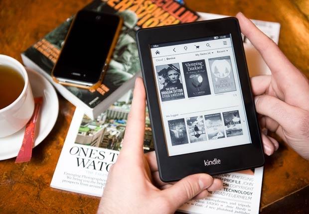 Gran parte de los padres en la actualidad han pasado sus vidas adultas, si no es que parte de su juventud, en la era digital. (Foto Prensa Libre cdn.aarp.net)