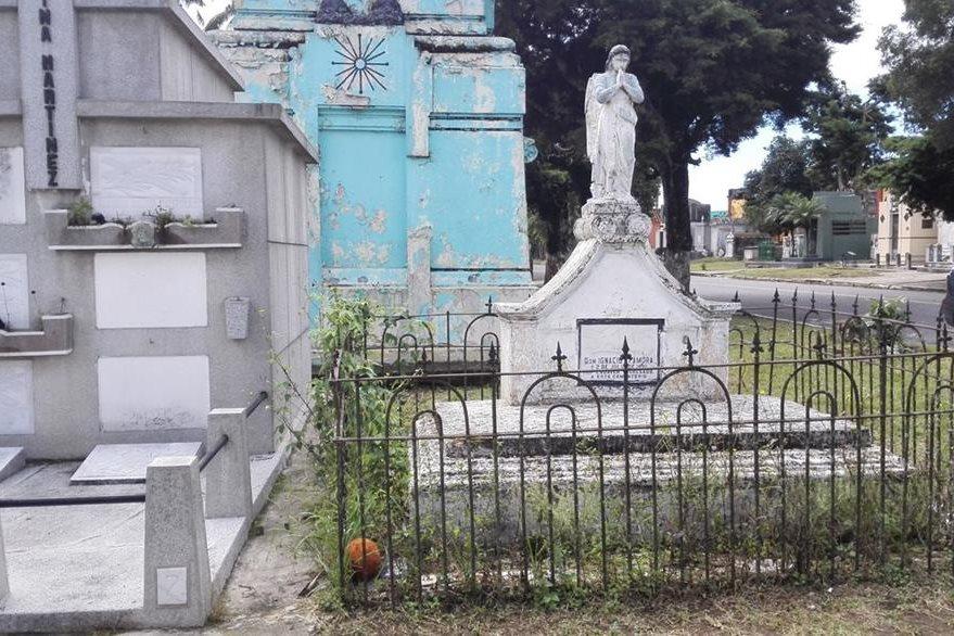Ignacio Zamora fue el primero en ser enterrado en el Cementerio General, el 2 de julio de 1881. (Foto Prensa Libre: Edwin Castro).