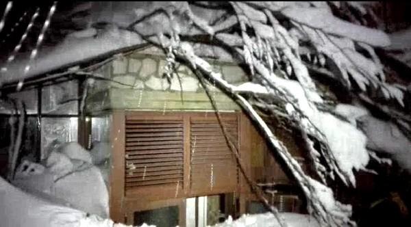 El hotel fue alcanzado por alud provocado por los sismos en Italia.(EFE).
