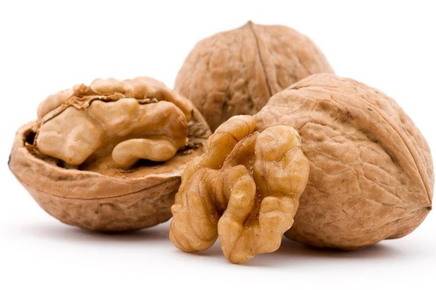 Las nueces pueden ser el rey porque mejoran la salud de varias maneras.