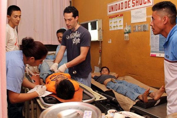 """<p>Varios menores resultaron lesionados al accidentarse el picop en el cual viajaban en Nuevo San Carlos, Retalhuleu. (Foto Prensa Libre: Rolando Miranda)<br _mce_bogus=""""1""""></p>"""