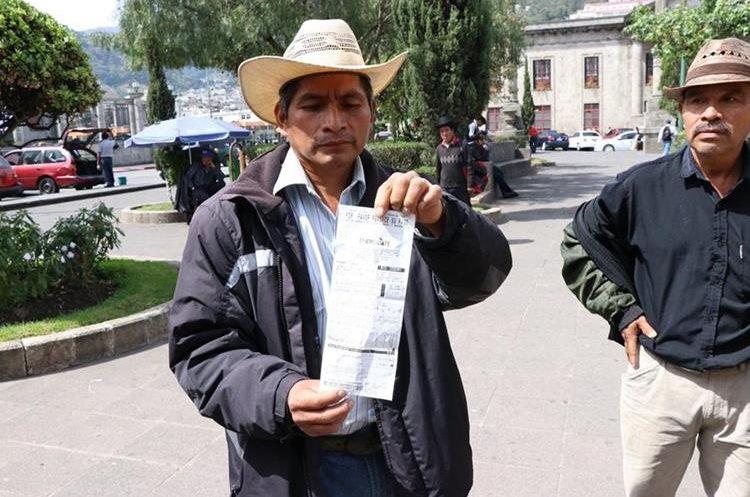Campesinos e indígenas demandan renuncia del presidente de Guatemala